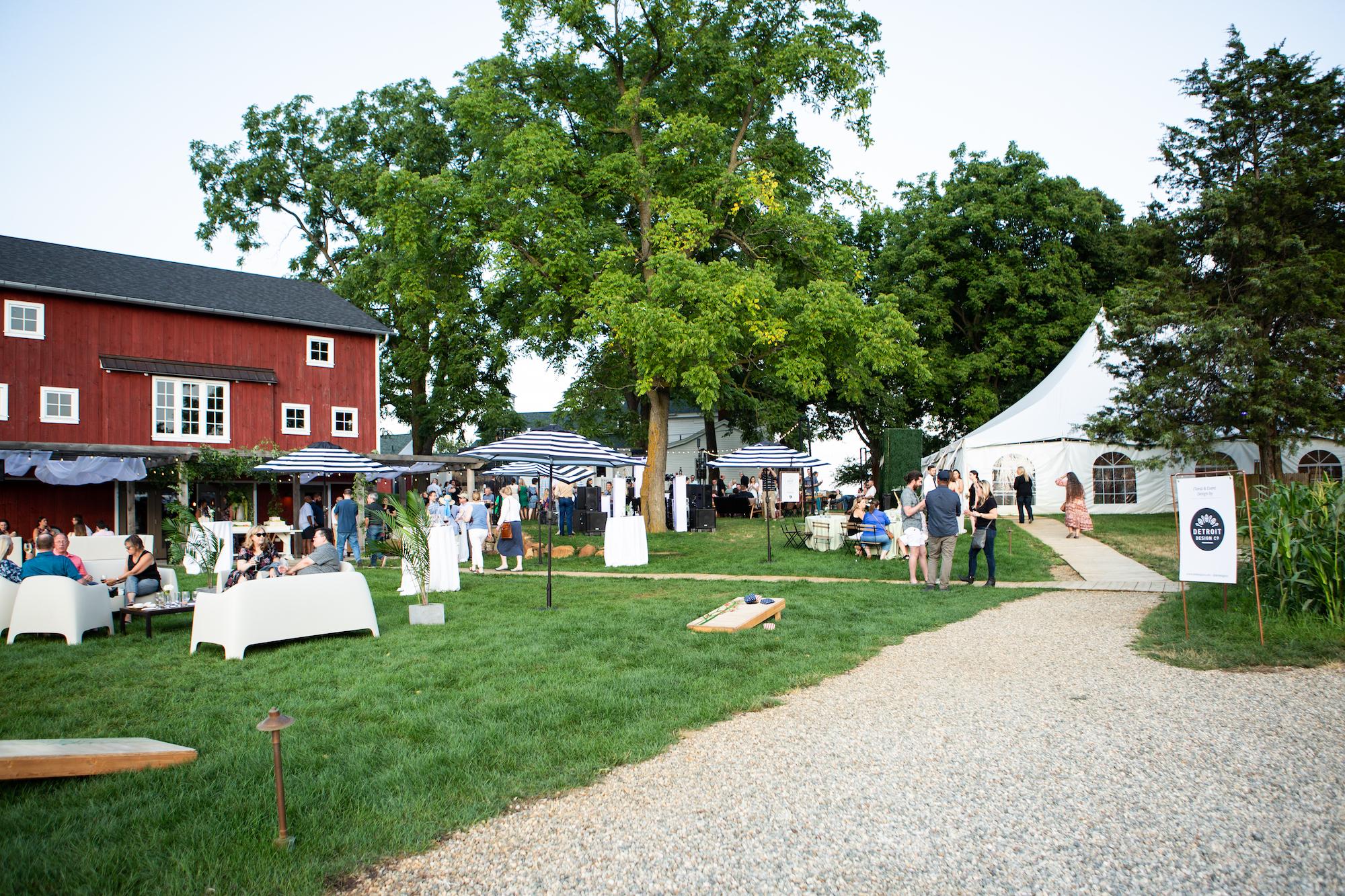 Zingerman's Cornman Farms - Michigan Outdoor Barn Weddings